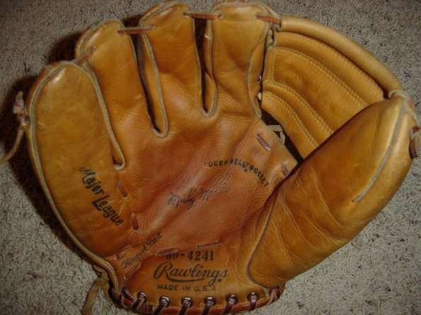 Mickey Mantle Rawlings 60 4241 Front_595