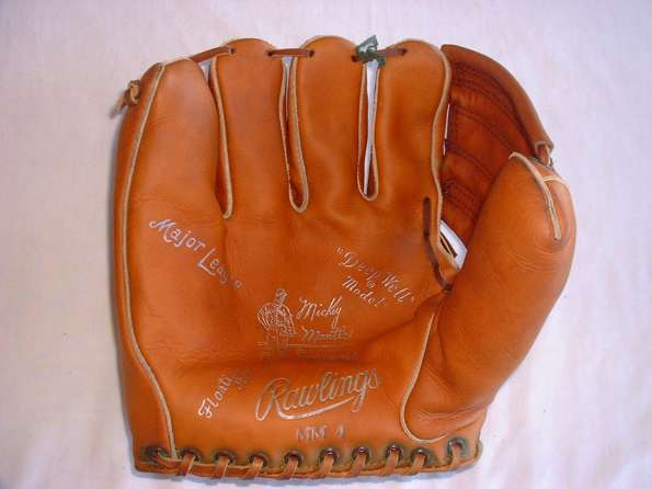 Mickey Mantle Rawlings MM4 Front Mark_595